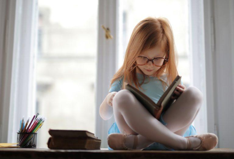 Bambina; libro;